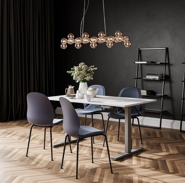 höjbart skrivbord med vev